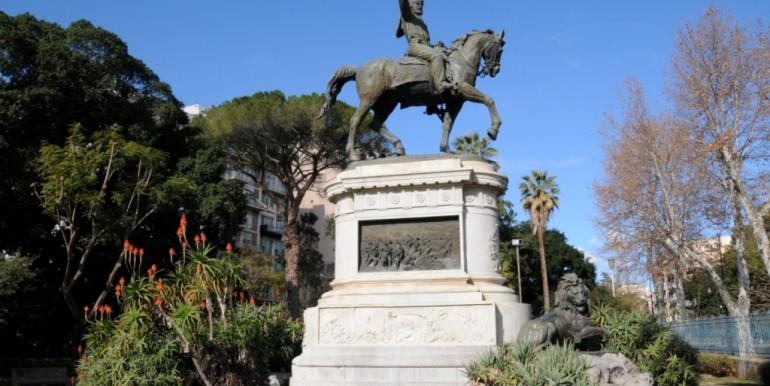 ED3_0887 Palermo-Giardino Inglese (Statua di Garibaldi)_01