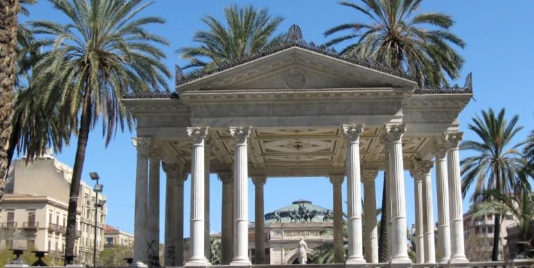IMG_0172 PALERMO Piazza Castelnuovo