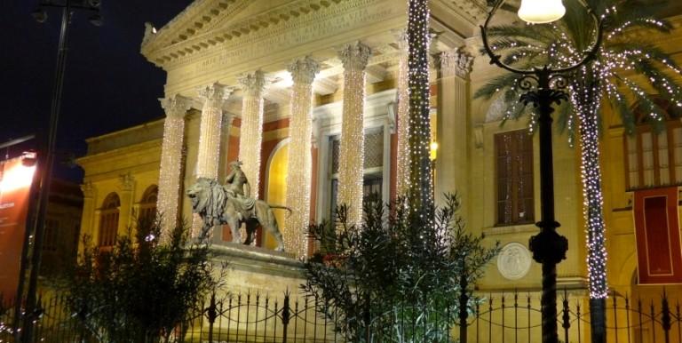 P1040554 PA- (Teatro Massimo)-Notturno
